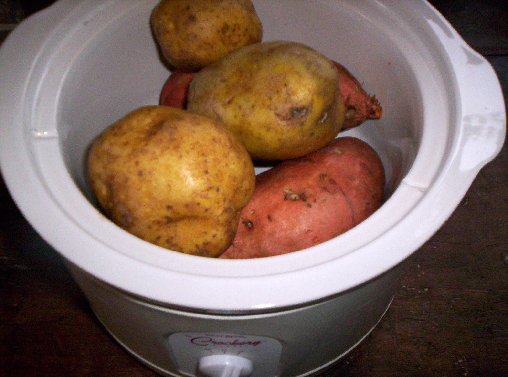 Baked Potatoes in Crockpot
