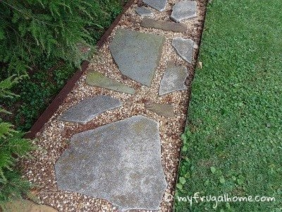 "Use Broken Concrete to Make a ""Flagstone"" Sidewalk"