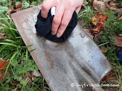 How To Clean And Oil Garden Tools