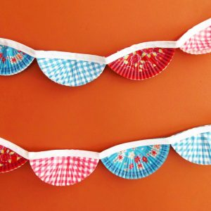 How to Make Cupcake Wrapper Bunting