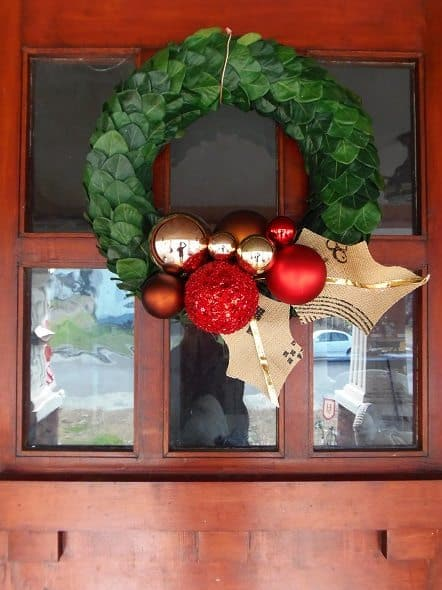 Curb-Shopped Holiday Wreath