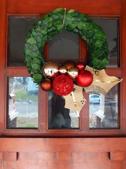 Curb-Shopped Holiday Wreath