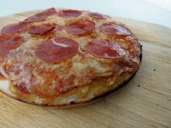 Easy Peasy Pan Pizza