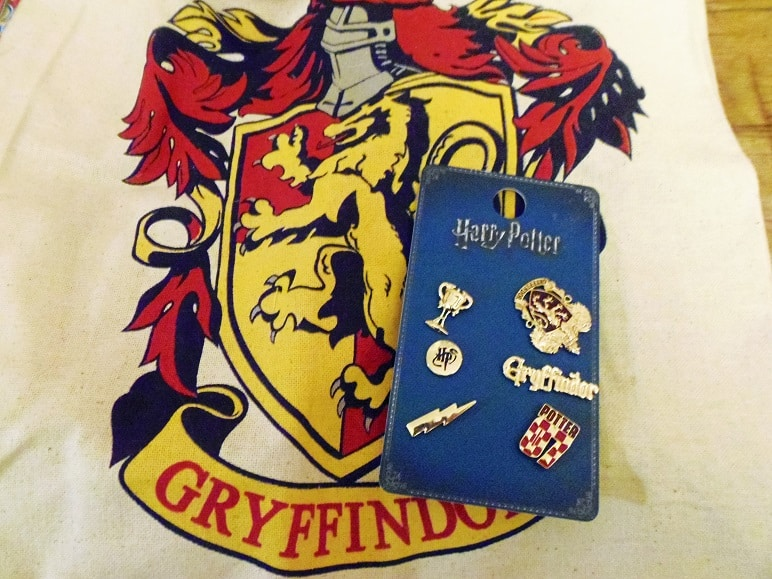 Gryffindor Tote and Pins