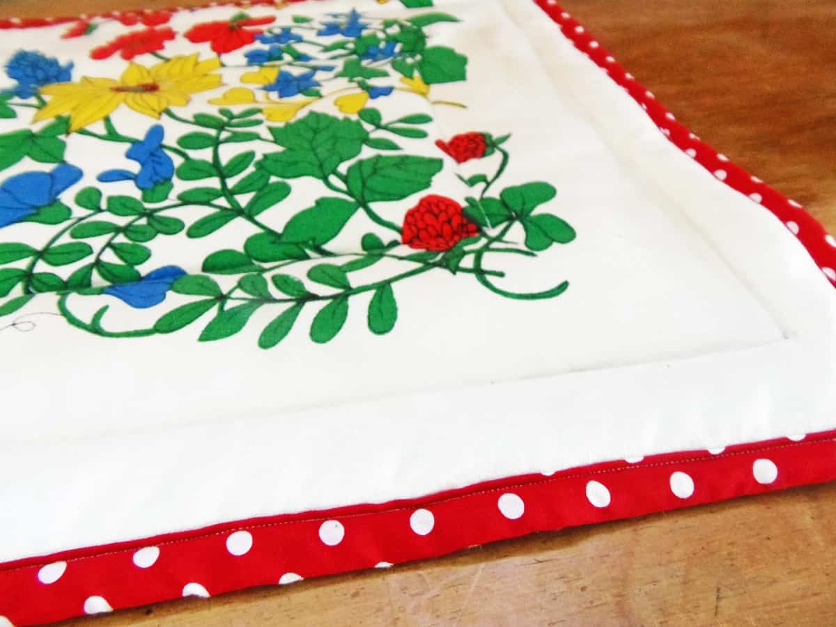Close Up of Hot Pad Table Runner