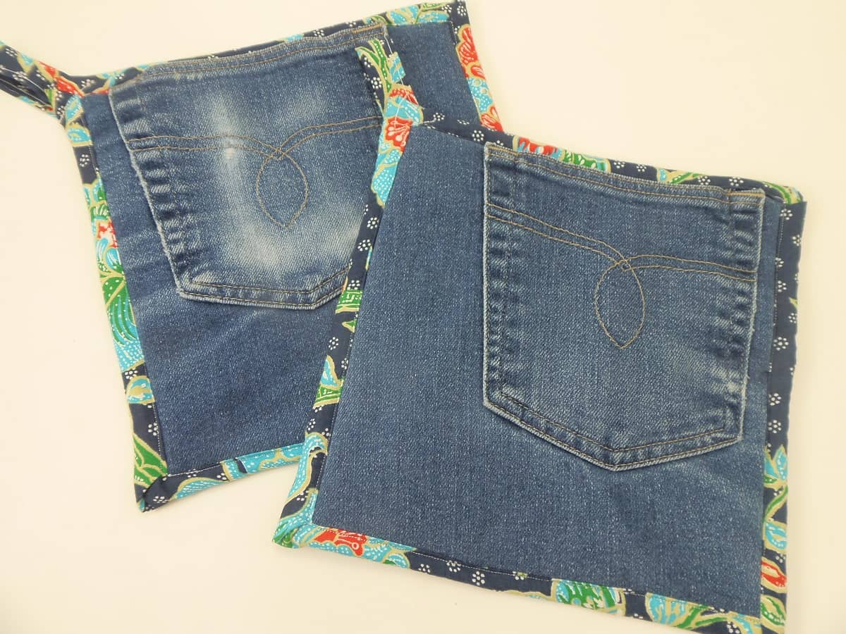 Jean Pocket Potholders With Tropical Floral
