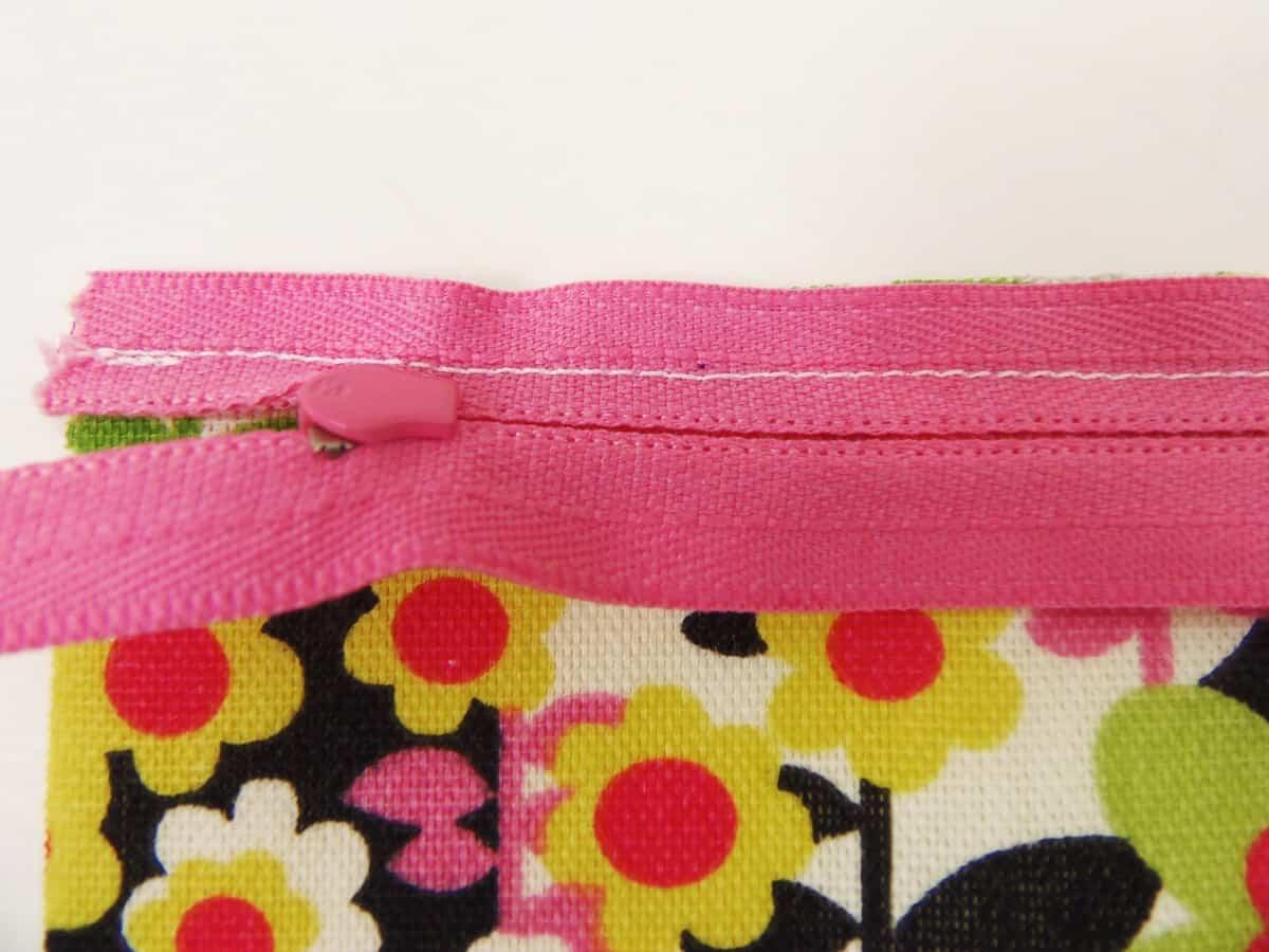 Zipper Pouch Front Fabric Sewn to Zipper