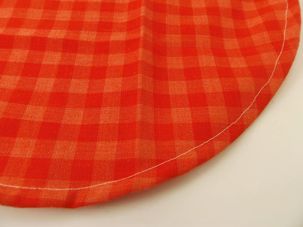 Sew a Half-Inch Channel Around Edge of Circle