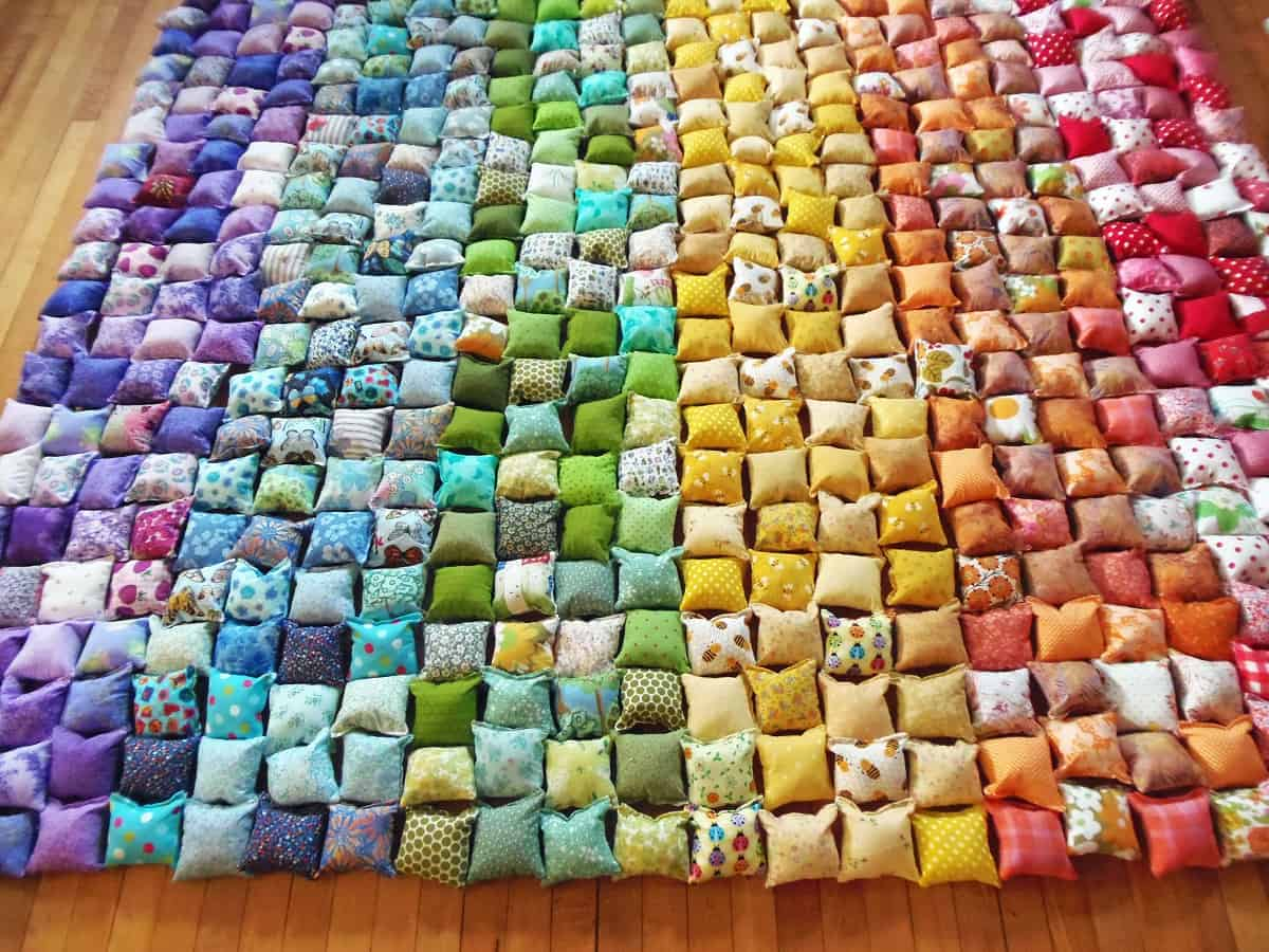 Lay Out Pillows for Quilt